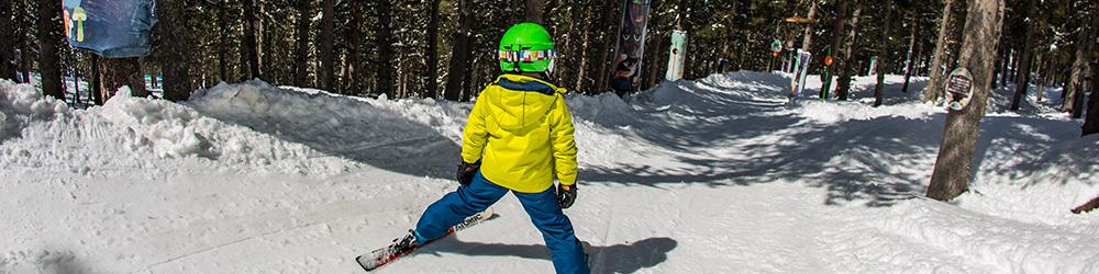 Skier avec des enfants à Cerler