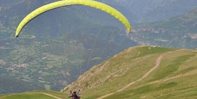 actividades-valle-benasque-cerler-parapente